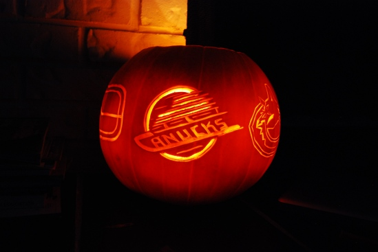 Canucks logo pumpkin